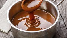 """750g vous propose la recette """"Caramel au beurre salé"""" accompagnée de sa version vidéo pour cuisiner en compagnie de Chef Damien et Chef Christophe."""