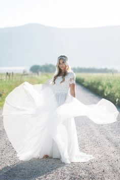 Paloma + London Spanish Fork Bridals, Photo by Alixann Loosle, Gown by Heidi Lazerson #utahwedding #utahbridals #alixannloosle #utahweddingphotography