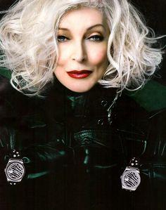 Carmen Dell'Orefice, supermodel. 80 years old.