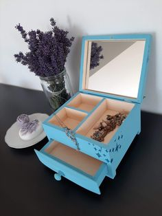 Jewellery Box, Jewelry, Tea Box, Marketing And Advertising, Create Yourself, Decorative Boxes, Alcohol, Lovers, Group
