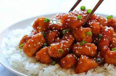 Zoetzure kipfilet met rijst - Dit recept komt rechtstreeks uit de hemel - Die zoetzure kip die je bij de Chinees haalt, kun je nu makkelijk zelf maken. Het scheelt je geld en waarschijnlijk is het veel lekkerder en gezonder. Probeer het een keer uit. Maak je eigen zoetzure kipfilet met rijst.