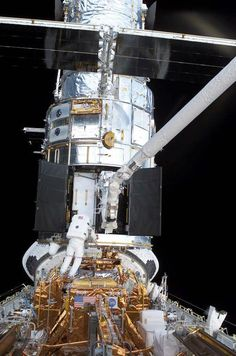 Photos: NASA's Hubble Space Telescope Servicing Missions | Space.com