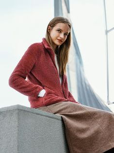 Ultra soft texture and a relaxed fit. You'll fall in love with our Fluffy Yarn Fleece Full-Zip Jacket. Winter Clothes, Winter Outfits, Winter 2017, Fall Winter, Uniqlo, Playing Dress Up, Texture, Zip, Business