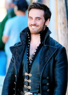 OMG!  Captain Hook is back on set for OUAT Season 4, and he is totes adorbs! #ouat #hookers