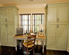 "office craft room ideas | My GIRL ""cave"" or guestroom/craft/office ideas / Craft Room Design ..."