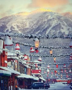 Whitefish, Montana - a ski and snowboard town with holiday spirit