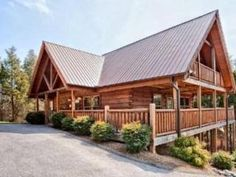 Vacation Rental in Pigeon Forge - Airport Runway 33. Sleeps 10 and is close to all the great activities you are looking for in the Smoky Mountains.