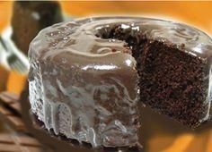 Bolo de Chocolate Zero Açúcar. Aprenda a fazer a receita da Lowçucar. Ela é ideal para quem ama um bolo e não pode consumir açúcar.