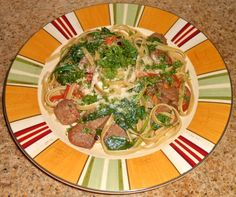 Shawna's Food and Recipe Blog: Fettuccine e salsicce piccanti, spinaci, pomodori cimelio a rosa pepe semi di finocchio salsa di olio d'oliva