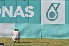 失意のルイス・ハミルトン、定例会見をキャンセル  [F1 / Formula 1]