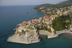 http://www.facebook.com/ulcinj.montenegro    http://sphotos-e.ak.fbcdn.net/hphotos-ak-ash3/530651_399876290084680_709075456_n.jpg