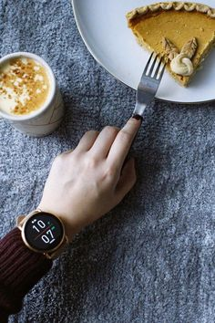Our Q Wander display smartwatch never misses the pie time notification. via @ _jessicachen