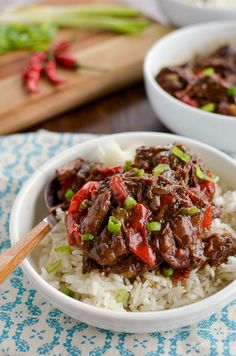 Slow Cooked Spicy Asian Beef - skip ordering take out with this amazingly tasty set it and forget it slow cooker meal. #slimmingworld #weightwatchers #beef #slowcooker #InstantPot #glutenfree #dairyfree #paleo Healthy Slow Cooker, Slow Cooker Recipes, Slimming World Beef Recipes, Spicy Asian Beef, Lunch Recipes, Healthy Recipes, Slimming Eats, Asian Recipes, Chinese Recipes