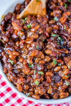 Best Baked Beans Recipe Rich and saucy baked beans are the perfect summer BBQ side dish. The BEST baked beans recipe has moThe Best Baked Beans Recipe Rich and saucy baked beans are the perfect summer BBQ side dish. The BEST baked beans recipe has mo Brisket Side Dishes, Brisket Sides, Side Dishes For Bbq, Side Dish Recipes, Main Dishes, Dinner Recipes, Best Baked Beans, Homemade Baked Beans, Baked Bean Recipes