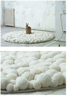 Interior decotration, interior art and design objects: soft sculptures made out of pompons. Extraordinary Pompon-fashion accessories: bags and charms. White Carpet, Diy Carpet, Rugs On Carpet, Carpets, Pom Pom Rug, Crochet Carpet, Pom Pom Crafts, Creation Deco, Carpet Styles