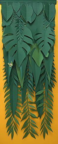 Super ideas for diy paper leaves tropical Jungle Party, Safari Party, Diy Paper, Paper Art, Paper Crafts, Diy Crafts, Diy Flowers, Paper Flowers, Vitrine Design