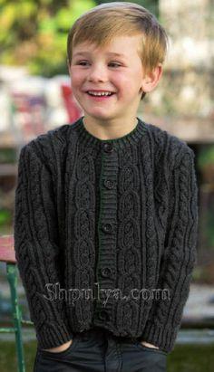 Жакет с косами для мальчика спицами