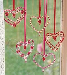 Not just for Valentine's Day ~ These pipe cleaner beaded hearts are pretty to look at any time of year. Not just for Valentine's Day ~ These pipe cleaner beaded hearts are pretty to look at any time of year.Beaded Hearts Kit with Materials to Make Valentines Bricolage, Kinder Valentines, Valentine Crafts For Kids, Valentines Day Activities, Valentines Day Decorations, Valentines Day Party, Love Valentines, Kids Crafts, Valentine Ideas