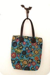 bolsa de tecido com alça de couro