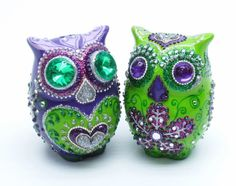 Custom Wedding Cake Topper Lucky Owl Purple and Green wedding color Bride is green has purple eyes and nose green long eyelash . Owl Cake Toppers, Wedding Cake Toppers, Wedding Cakes, Owl Wedding, Wedding Stuff, Wedding Ideas, Wedding Bells, Wedding Favors, Dream Wedding