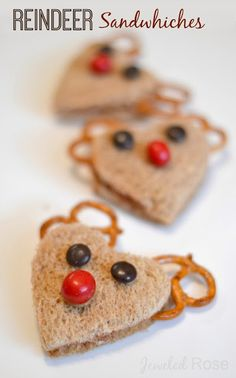 What could be cuter than reindeer sandwiches for lunch during the holidays?  My kids love these!