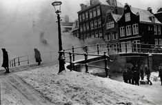 A view of a snow-covered Egelantiersgracht with the bridge to the Derde Egelantiersdwarsstraat in the Jordaan section of Amsterdam. Amsterdam Winter, Amsterdam City, Interesting Buildings, Great Memories, Vintage Photographs, Old Pictures, Netherlands, Dutch, Snow