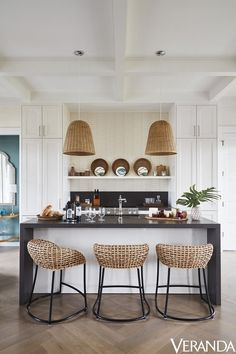 Mix and Chic: Inside a private Florida hotel with a crisp, elegant and breezy vibe!