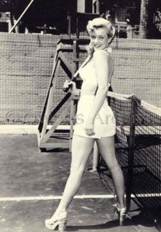 Marilyn Monroe on tennis court