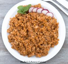 Bulgur Tomato Pilaf, a simple and delicious dish by itself that can be equally good as a side to accompany grilled meat or chicken. Side Recipes, Veggie Recipes, Cooking Recipes, Healthy Recipes, Veggie Food, Cooking Tips, Armenian Recipes, Lebanese Recipes, Bulgur