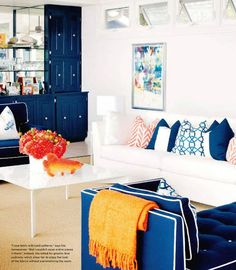 Blue living space = http://thehousehome.tumblr.com/post/8222650437