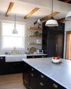 White subway tile and dark cabinets in this kitchen. White subway tile and dark cabinets in this kitchen. Shaws Sinks, Kitchen Interior, Kitchen Design, Fireclay Farmhouse Sink, Farmhouse Sinks, Lucy Rose, Butler Sink, Fox Home, Subway Tile Kitchen