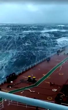 """Ocean - Video by """"Francesco Diotavelli"""" - Monica - Nature travel Beautiful Nature Scenes, Amazing Nature, Ocean Photography, Travel Photography, Ocean Video, Beautiful Places To Travel, Open Water, Natural Phenomena, Science And Nature"""