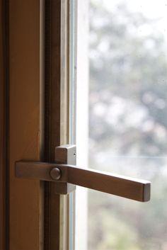 Door handle detail. Uno Tomoaki.