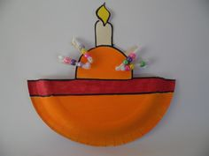 I so wanted to make something like this last year but just ran out of time. So this year I was determined to make a craft focusing on Christingle. This is not necessarily instead of making the real… Just Run, Paper Plates, Activities For Kids, Christmas Crafts, Planter Pots, How To Make, School, Ideas, Xmas Crafts
