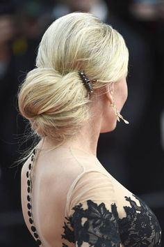 Le acconciature delle star di Cannes 2015   Hofit Golan con uno chignon basso   FOTO