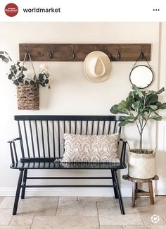 Home Living Room, Living Room Decor, Bench In Living Room, Flur Design, Decoration Entree, Bench Decor, Wall Decor, Home And Deco, Entryway Decor