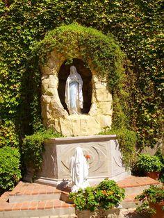 Lourdes grotto (not in Lourdes)