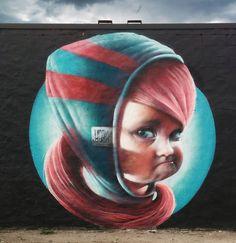 Increíble retrato creado en mural ubicado en la ciudad e Estocolmo, Suecia por el artista urbano Linus Lundin, mejor conocido como YASH en el año 2015.