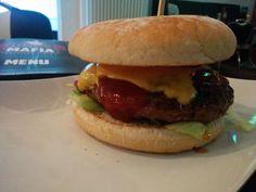 Burger in Saarbrücken: Burger Mafia getestet - all zu dolle war der aber nicht. Meinen Testbericht gibt es hier:  http://hubert-testet.de/burger-in-saarbruecken-burger-mafia-getestet/