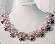 Free pattern for beaded necklace Katherine   U need: pearl beads 8 mm pearl beads 6 mm faceted round beads 6 mm seed beads 11/0 seed beads 8/0    Click to get book about Beading