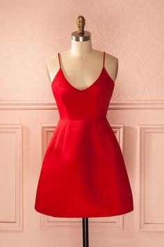 Comme l'artiste devant sa toile, accessoirisez cette robe selon votre…