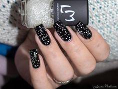 LMcosmetic - Flocons #lizananails #blackpolish #nailblogger Download #beautyapp - BELLASHOOT to see more!