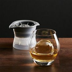 Sphere Ice Molds | Gifts for Guys #whiskey