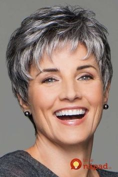 Incentive by Eva Gabor Wigs - Lace Front, Hand Tied, Monofilament Wig - Aktuelle Damen Frisuren Short Grey Hair, Short Hair With Layers, Layered Hair, Short Hair Over 60, Gray Hair, Short Silver Hair, Short Blonde, Short Pixie Haircuts, Short Hairstyles For Women