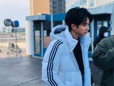 Lee Seung Gi, Rain Jacket, Windbreaker, Raincoat, Winter Jackets, Actors, Boys, Dancers, Musicians