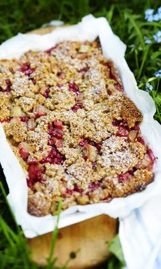 Kotivinkki www. Sweet Pie, Pastry Cake, Salmon Burgers, Banana Bread, Cake Recipes, Deserts, Food And Drink, Sweets, Baking