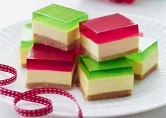 Jelly Cheesecake Recipe No Bake Family Favorite Video Tutorial Jelly Desserts, Jelly Recipes, Köstliche Desserts, Sweet Recipes, Delicious Desserts, Dessert Recipes, Yummy Food, Grandma's Recipes, Family Recipes