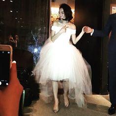 Haruka.KuramochiさんはInstagramを利用しています:「* ・ 最後の1着は @houghtonnyc と @haute_renttorunway ・ お色直しで バッサリきってこれ好きだったなぁ♡ ・ #晩餐会ウェディング #hautetorunway #houghtonnyc #wedding * ・」