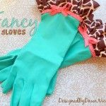 DIY Dish Gloves - this will definitely be part of mom's Christmas gift this year!
