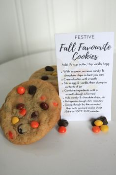 These cookies are credited for their festive appearance, but don't fail to deliver in flavour as well. They are soft, chewy and studded with chocolate and Reeses Pieces! One bite and you'll fall for these festive favourites.      Here at Bake, we take pride in using only the highest quality ingredients in our gourmet baking mixes. Each mix is packaged in a recyclable glass mason jar.     See more varieties at Etsy.com/ca/shop/BakeHomemade    | Shop this product here…